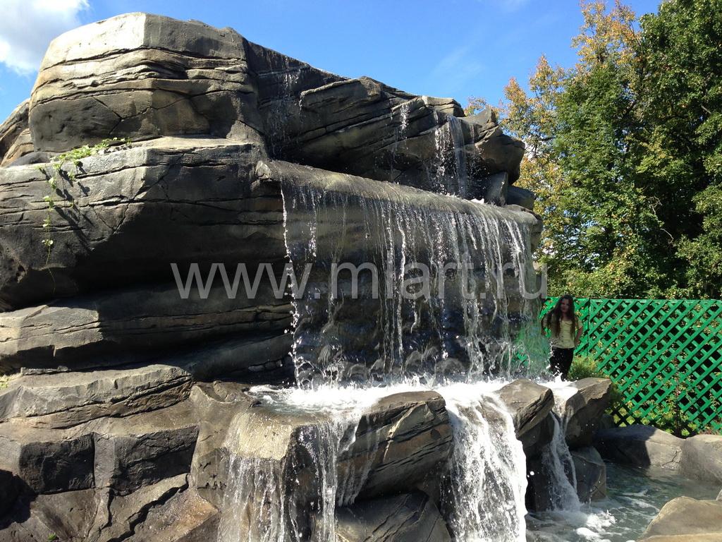 Водопады из камня